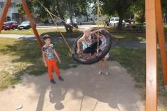 Bawimy_się_na_placu_zabaw_(14)